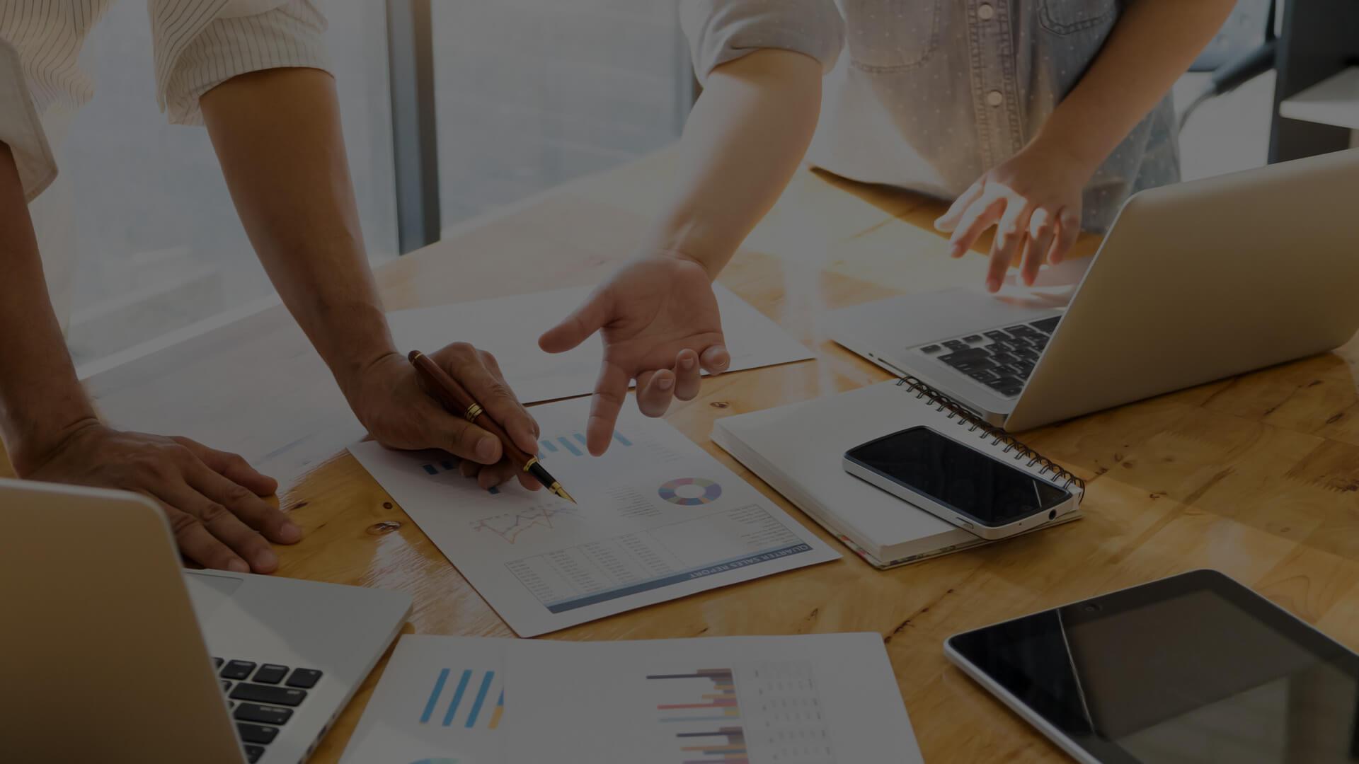 Asia businessmen and businesswomen meeting brainstorming ideas c